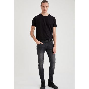 Blugi slim fit cu aspect decolorat
